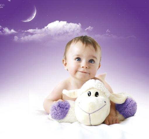 happybaby2015_obrazek - s ovečkou - ořez